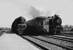 Trail Blazer sandwich - Classic Trains Magazine At Englewood Union Station on the South Side of Chicago, Pennsylvania Railroad T1 4-4-4-4 5514 and M1 4-8-2 6975 bracket the observation car of the Trail Blazer, which is just pulling out for New York on a July 1947 afternoon. Milton B. Nafus photo