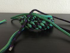 "How to make: ""Round Crown"" Paracord Bracelet"