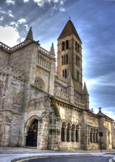 Iglesia de Santa María de La Antigua by Ramón García Urbón on 500px