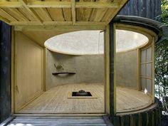 【包みこまれる小空間】プラハの庭に建つ茶室