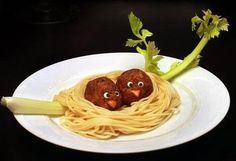 ¡Buen provecho! Disfruten su hora de comida y compartan con sus amigos y familia. ¡Feliz tarde!