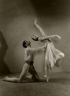 sovushka-en-pointe: Margot Fonteyn and Michael Somes, 1939 Margot Fonteyn, Shall We Dance, Just Dance, Vintage Ballet, Vintage Dance, History Of Dance, Ballet Images, Ballet Photos, Paris Opera Ballet