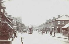 Woolwich Road, Charlton 1910. Alfred Halden's grocers shop is on the right hand corner of Fairthorn and Woolwich Road,