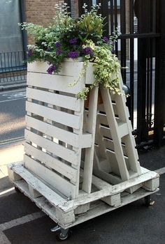 Recycling wooden pallets into pallet furniture and pallet garden projects has become very popular with people across the globe. Outdoor Furniture Plans, Wood Pallet Furniture, Furniture Ideas, Furniture Stores, Garden Furniture, Distressed Furniture, White Furniture, Pallet Wood, Repurposed Furniture