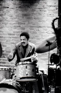 "Tony Williams. RESEARCH #DdO:) - https://www.pinterest.com/claxtonw/jazz-and-all-that/ - JAZZ AND ALL THAT - His innovations made him one of the most influential jazz musicians of the last half-century - esp in the 1960s. Began in 1963 as a 17-year-old prodigy with a full-blown, volcanic style of drumming. Anthony Tillmon ""Tony"" Williams died at in 1997 at age 51."