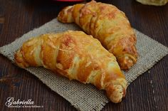 Hungarian Cake, Garlic Bread, Croissant, Recipes, Food, Cakes, Diy, Products, Cake Makers