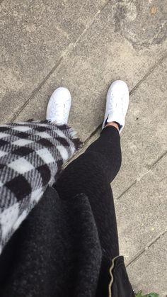 I N S T A G R A M @laure_dh — Haut Zara, Leo Pants TallyWeijl, Châle Zara & Adidas Superstar