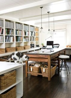 Happy Friday peaches.Today on the docket we've got the work of Atlanta design firm,Westbrook Interiors. Who's Westbrook, you're wondering? I thought you might ask...Oh, there's Barbara Westbrook,...