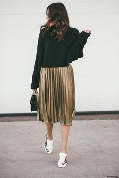 3 Ways to Style Cropped Sweaters, three Methods to Fashion Cropped Sweaters {Black sweater and gold pleated skirt.} {Black sweater and gold pleated skirt. Fashion Mode, Modest Fashion, Look Fashion, Winter Fashion, Womens Fashion, Fashion Basics, Fashion Images, Fashion Black, Ladies Fashion