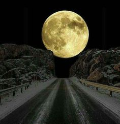 Super Moon view from Gilgit captured by Shankar Gilgiti. #SuperMoon