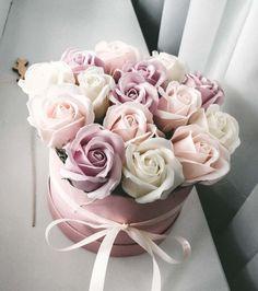 Спа розы Diy Flower Boxes, Flower Box Gift, Diy Flowers, Flower Decorations, Paper Flowers, Flower Bookey, Succulent Gifts, Rose Soap, Rose Arrangements