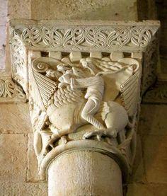 Capitel de Sansón desquijarando al León - Santa Eufemia de Cozuelos, Olmos de Ojeda, provincia de Palencia