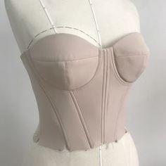 DIY bralet bustier corset top thing pdf pattern and tutori Corset Sewing Pattern, Bra Pattern, Pants Pattern, Fashion Sewing, Diy Fashion, Sewing Clothes, Diy Clothes, Costura Fashion, Pattern Draping