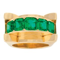 Van Cleef & Arpels Retro Emerald and Gold Ring