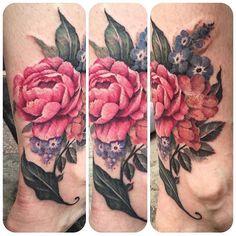 Lovely floral ankle piece by @alisonrebertattoo! Its even a coverup! Follow her!! #tattoo #tattoos #ankletattoo #floral #floratattoo #flowers #flowerstattoo #flowertattoo #peonytattoo #wildrosetattoo #forgetmenottattoo #bouquet #prettytattoo #shortnorthtattoo #girlswithtattoos Ankle Tattoo, Leg Tattoos, Flower Tattoos, Tatoos, Hummingbird Tattoo Watercolor, Watercolor Tattoo, Wild Rose Tattoo, Forget Me Not Tattoo, Peonies Tattoo