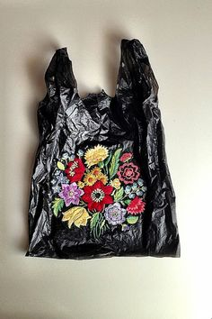 El Barrio Bodega is a series of embroidered plastic bags by Brooklyn born, Baltimore based artist, Nicoletta Darita de la Brown. Nicoletta finds the bags on the streets and reclaims them with her embellishments. Embroidery Art, Embroidery Stitches, Textiles, Diy Sac, Mode Inspiration, Needle And Thread, Textile Art, Fiber Art, Needlework
