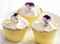Enjoy these lemon cupcakes made using Betty Crocker® SuperMoist® white cake mix with vanilla frosting – a perfect dessert to treat a crowd.