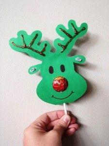 Cómo hacer un reno de navidad realizando manualidades para niños. Reindeer lollipop noses. Can use Google translate but the photos should be enough information.
