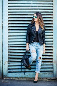 Jacket and jeans: ZARA | Bag: BALENCIAGA | Top: ALEXANDER WANG | Heels: ASOS | Sunglasses: RAY-BAN.