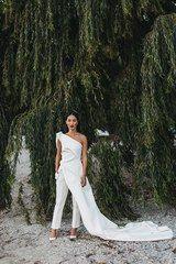 Nicole Warne of Gary Pepper Girl Had A Wild Garden Wedding in New Zealand - Vogue