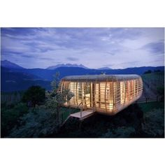 Fincube #interiors #interiordesign #architecture #decoration #interior #home #design #furniture #architect #homedecor #decoration #decor #prefab #smallhomes #compact #compactliving #shed #cabin #tagsforlikes #tinyhomes #tinyhouse #minimalist #minimalism #decorating #tags4likes #houseboat #chalet #container #containerhouse by prefabnsmallhomes