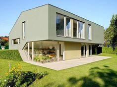 split-level house compact exterior idea