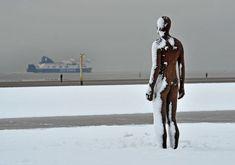 Gormley Iron Men look a bit chilly on Crosby Beach Abstract Sculpture, Sculpture Art, Metal Sculptures, Bronze Sculpture, Antony Gormley Another Place, Crosby Beach, Liverpool Docks, Iron Men, Royal Academy Of Arts