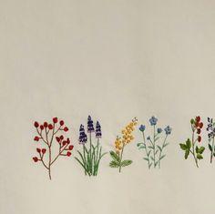 예전에 수놨던 야생화자수 발이 좀 어려운듯 느껴져서 다른 도안으로 야생화자수 발 2탄을 만들었어요 이 ... Diy Embroidery Patterns, Hardanger Embroidery, Cute Embroidery, Japanese Embroidery, Hand Embroidery Stitches, Silk Ribbon Embroidery, Modern Embroidery, Cross Stitch Embroidery, Machine Embroidery