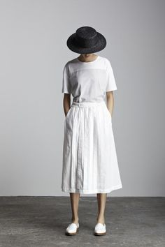 Kowtow: Solid Light. Favorite summer outfit, casual outfit, minimal outfit, simple outfit, comfy outfit, summer vacation outfit, summer travel outfit, street style