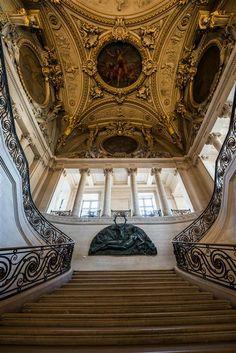 Le Louvre - Grand escalier Mollien  (C) Musée du Louvre, Dist. RMN-Grand Palais / Olivier Ouadah