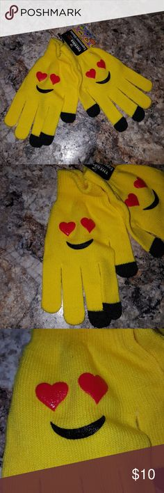 Yellow Emoji Heart Adult Winter Gloves Brand new. 100% Acrylic One Size Adult Accessories Gloves & Mittens