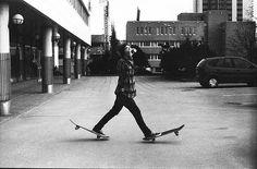 Skateboarding: Casual Stroll
