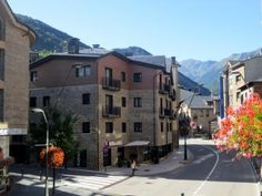 New 2 bedroom apartment for sale in the centre of La Massana. This property is in walking distance from the cable cabin leading to Pal - Vallnord ski resort. It is close to all shops, schools, amenities and public transport and just a 10 minutes' drive from Andorra la Vella, the capital of the principality.