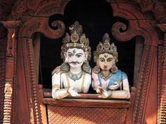 Wooden Replicas Of King & Queen | Flickr