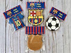 Hashtag #soccercookies en Instagram • Fotos y vídeos Barcelona Party, Fc Barcelona, Royal Icing Cookies, Sugar Cookies, Soccer Cookies, Soccer Party, Edible Art, Cookie Decorating, Instagram