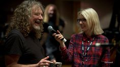 #nowplaying @RobertPlant-Rainbow! Did you hear the session yesterday??? http://www.bbc.co.uk/programmes/p026gnx7 … pic.twitter.com/iZJkYgZb3r