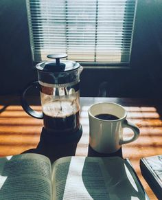Why Does Caffeine Help to make Me Tired? Shouldn't It Wake Me Up? Because java (plus the caffeine it includes) is really a stimulan. Maillard Reaction, Coffee Brewing Methods, Menu Layout, Different Coffees, Coffee Photos, Fresh Coffee, Coffee Branding, Dark Roast, Coffee Roasting