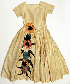 Dress (Robe de Style)  House of Lanvin  (French, founded 1889)    Designer:      Jeanne Lanvin (French, 1867–1946)  Date:      1922  Culture:      French  Medium:      silk