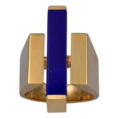 "Georg JENSEN Gold and Lapis Lazuli Ring Stamped inside shank: JA 750 GJ & W Denmark. Good colour Lapis Lazuli baton and stylish gold ""baguette"" shoulders. Contemporary Jewellery, Modern Jewelry, Jewelry Art, Jewelry Rings, Jewelry Accessories, Simple Jewelry, Bling Jewelry, Gemstone Jewelry, Bijoux Design"