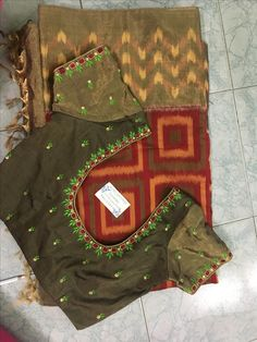 Discover thousands of images about Sudhasri hemaswardrobe Cutwork Blouse Designs, Simple Blouse Designs, Embroidery Neck Designs, Embroidery Works, Blouse Neck Designs, Blouse Styles, Maggam Work Designs, Half Saree Designs, Designer Blouse Patterns