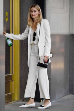 Olivia Palermo arriving At A Office In New York - August 2016 - Office Outfits Olivia Palermo Stil, Olivia Palermo Lookbook, Office Fashion, Work Fashion, Fashion Outfits, Fashion Trends, Casual Chic, Street Chic, Street Style