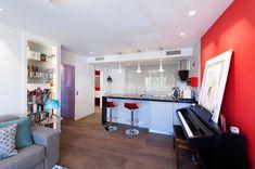 ARKin realiza el proyecto de la reforma de un piso en Madrid. El piso es para una persona joven, artista, que necesita un espacio para la música dentro de la vivienda. La vivienda debe resolver en 70 m² la organización del salón, dormitorio, cocina y baño. #reformas #arquitectura #diseño #interiorismo #reformaintegral #reformaintegralmadrid