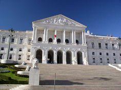 LUSOPT.COM - Quanto ganha um deputado na Assembleia da República? No mínimo 3.294,52EURO