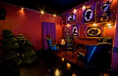 fantsy inspired bedrooms | ... Wonderland Opens in Hollywood With Fanciful Decor, Room for 400