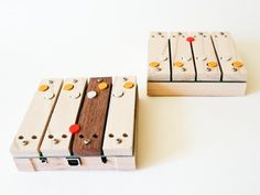 Shnth, reprogrammable wooden digital synth.
