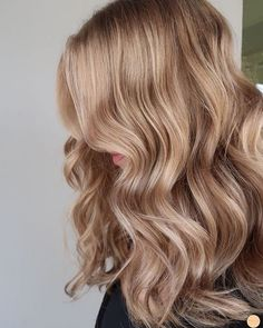 39 Best Hair Color Ideas and Styles, hair colours 2019 hair color trends, best hair color for fall hair colors best hair color for hair color ideas for brunettes, fab mood, light brown hair hairpainting hairpainters bronde brondebal Chocolate Brown Hair Color, Brown Hair Colors, Hair Colours, Perfect Hair Color, Cool Hair Color, Hair Color Balayage, Blonde Color, Darker Blonde, Dark Blonde Hair