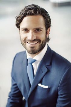 """In honor of Prince Carl Philip turning 36 today, the royal court released a new portrait of the birthday boy"" Tangled Birthday, Happy Birthday, Toy Story Party, Coldplay, Pretty Men, Beautiful Men, Prinz Carl Philip, Royal Monarchy, Princess Sofia Of Sweden"