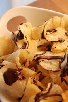 Chocolate-drizzled potato chips, for the easiest of entertaining My Recipes, Holiday Recipes, Snack Recipes, Snacks, Chocolate Drizzle, Potato Chips, Rustic Kitchen, Farmers Market, Stuffed Mushrooms