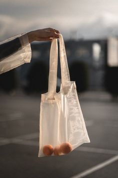 so cute! Clear Tote Bags, Cute Tote Bags, Hobo Bags, Japanese Bag, Creation Couture, Black Tote Bag, Jewelry Packaging, Organza Bags, Bag Making