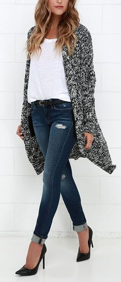 Snug as a Hug Black and White Oversized Sweater This sweater looks cozy/comfy! This looks fabulous w Fall Fashion Outfits, Mode Outfits, Holiday Outfits, Winter Outfits, Autumn Fashion, Casual Outfits, Womens Fashion, Fashion Trends, Fashion Ideas